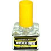 MR CEMENT DELUXE 40ML PLASTIC GLUE MC127
