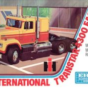 1:25 INTERNATIONAL 4300 EAGLE Plastic Model Kit AMT (RAMT629)