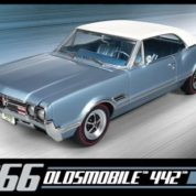 1:25 1966 OLDSMOBILE 442 Plastic Model Kit AMT (RAMT689)