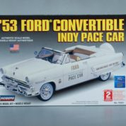1:25 1953 FORD INDY PACE CAR CONVERTIBLE Plastic Model Kit LINDBERG (RLIN72321)