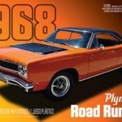 1:25 1968 PLYMOUTH ROAD RUNNER Plastic Model Kit AMT (RAMT821)