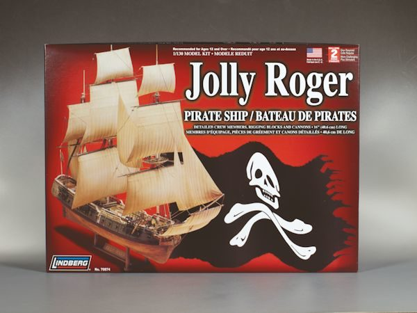 1:130 JOLLY RODGER PIRATE SHIP Plastic Model Kit (RLIN70874)