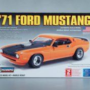 1:25 1971 FORD MUSTANG Plastic Model Kit LINDBERG (RLIN72151)