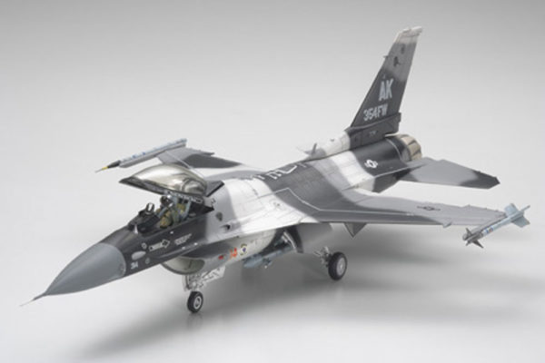 F-16C/N AGGRESSOR TAMIYA T61106 Plastic Model Kit