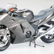 HONDA CBR 1100XX S TAMIYA T14070 Plastic Model Kit