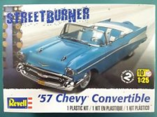 57 CHEVY CONVERTIBLE REVELL 4270 Plastic Model Kit