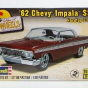 62 CHEVY IMPALA SS REVELL 4281 Plastic Model Kit