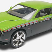 2013 CHALLENGER SRT8 REVELL 4398 Plastic Model Kit