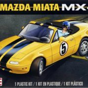 MAZDA MIATA 1/24 REVELL 4432 Plastic Model Kit