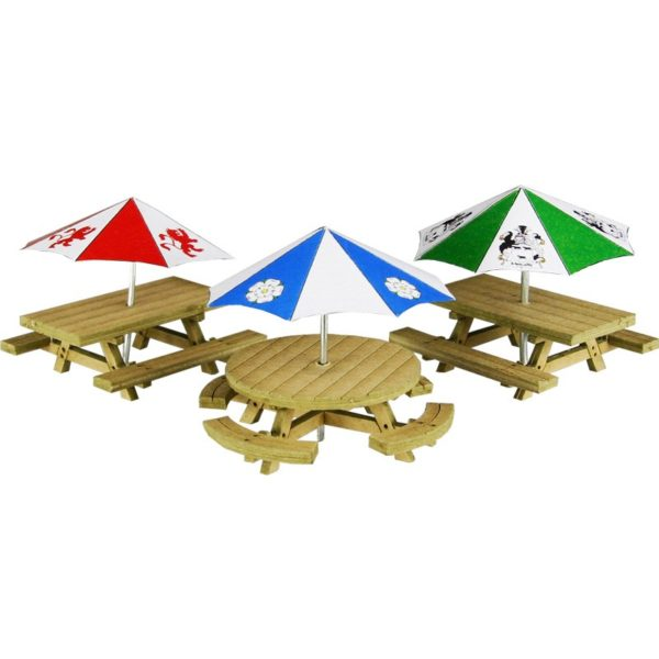 METCALFE PO510 3 TABLE & SEAT WITH UMBRELLAS