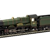 "Hornby R3454 Castle Class 4-6-0 5076 ""Drysllwyn Castle"" in GWR Green"