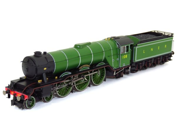 """Hornby R3518 Class A3 4-6-2 108 """"Gay Crusader"""" in LNER apple green - """"The Final Day"""" special edition"""